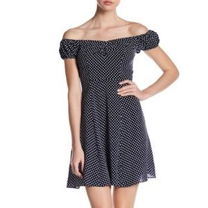 Soprano Off the Shoulder Woven Dot Skater Dress, L